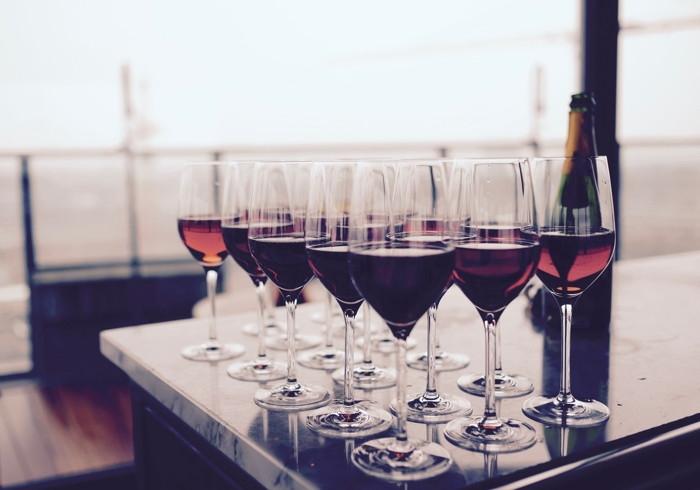 Wino musujące czy zwykłe?