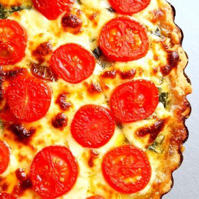 Tarta ze szpinaiem i pomidorami