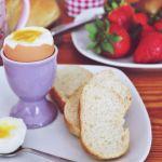 Jajko na miękko – ile gotować jajka na miękko?