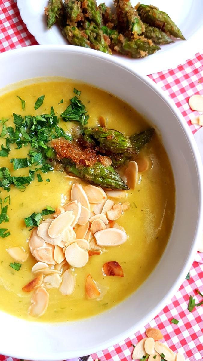 Zupa szparagowa z zielonych szparagów