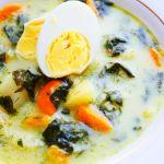 Zupa szpinakowa z jajkiem i ziemniakami