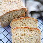Chleb owsiany z płatkami owsianymi