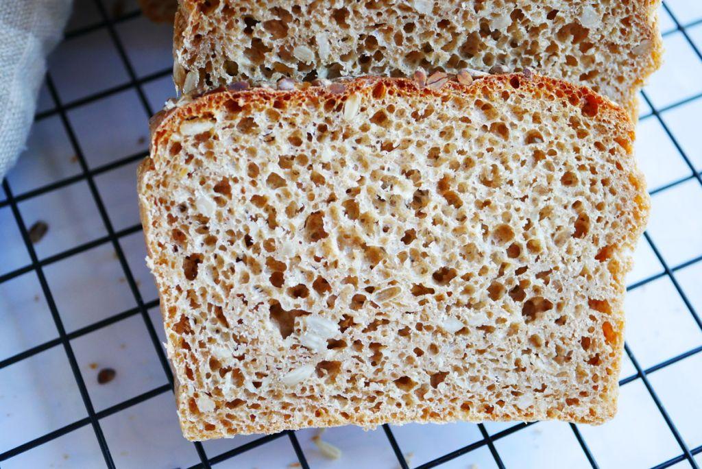 Chleb orkiszowy na drożdżach (z mąki orkiszowej pełnoziarnistej)